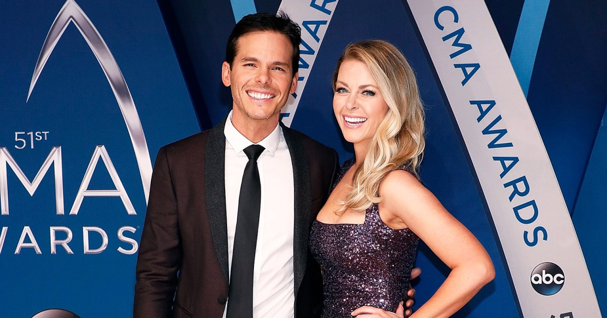 Granger Smith's Wife Posts Selfie With Kids After Son's Death