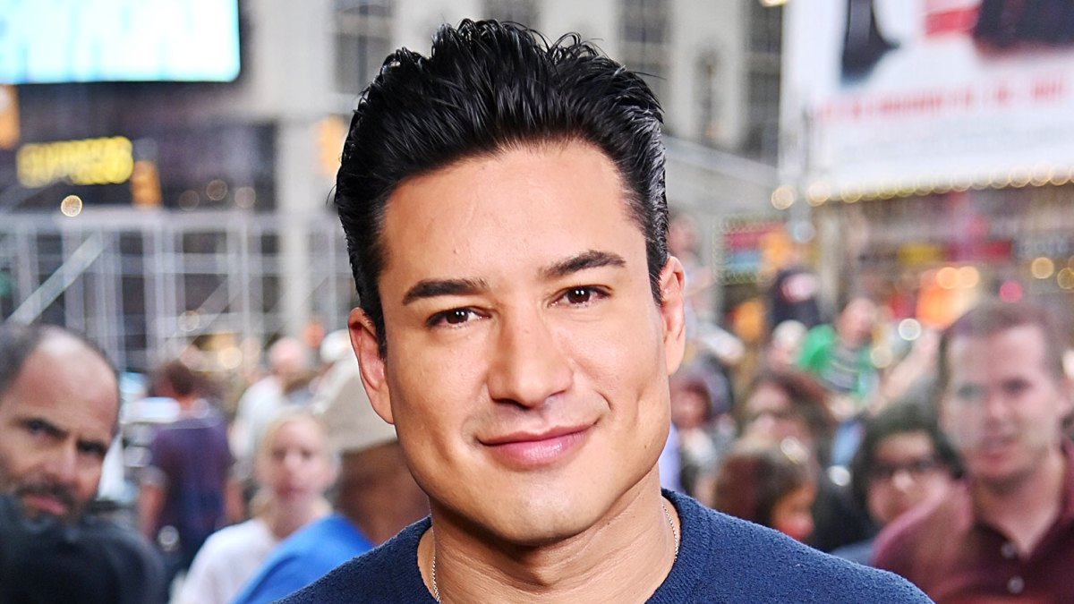 Mario Lopez Apologizes For Ignorant Remarks About Kids Transitioning