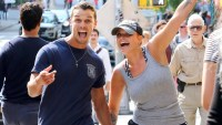 Miranda-Lambert-and-Brendan-McLoughlin-NYC-laughing