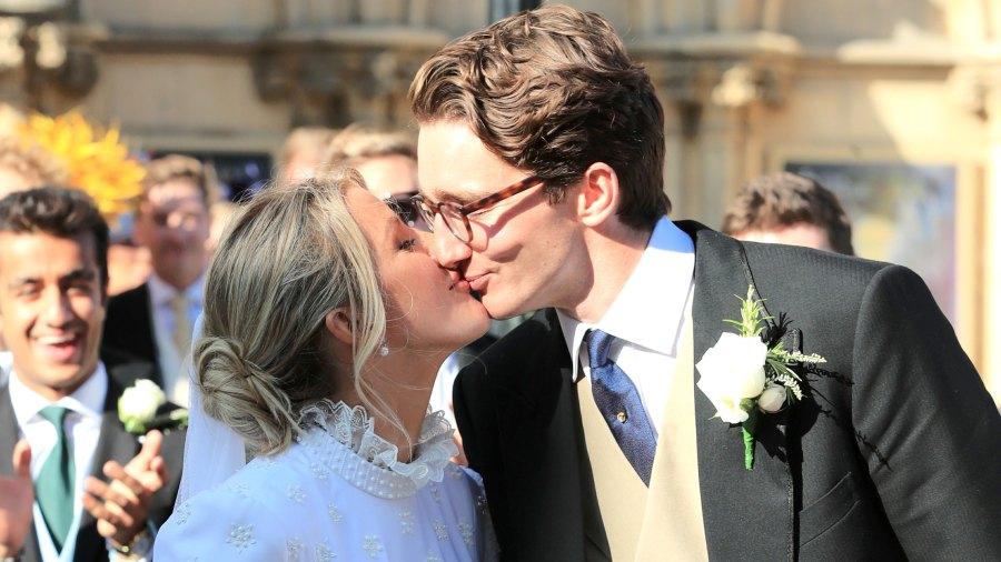 Ellie Goulding Marries Art Dealer Caspar Jopling