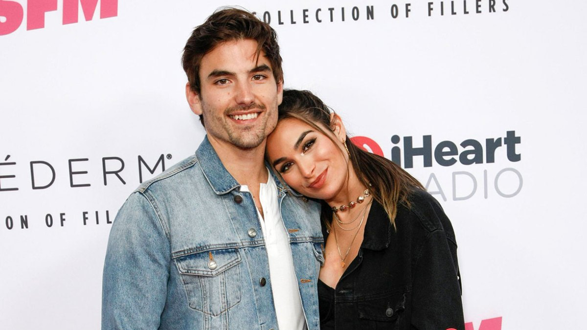 Ashley Iaconetti Tries Limoncello for 1st Time on Her Honeymoon and Her Reaction Is Priceless