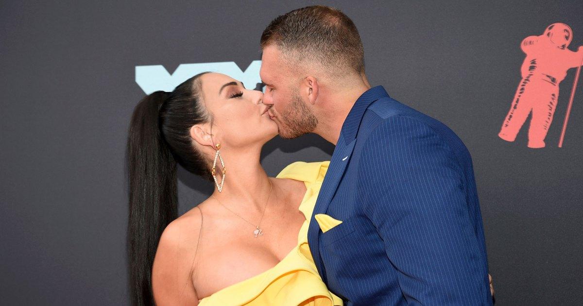 Celebrity Couples Show PDA at the MTV VMAs 2019: Photos