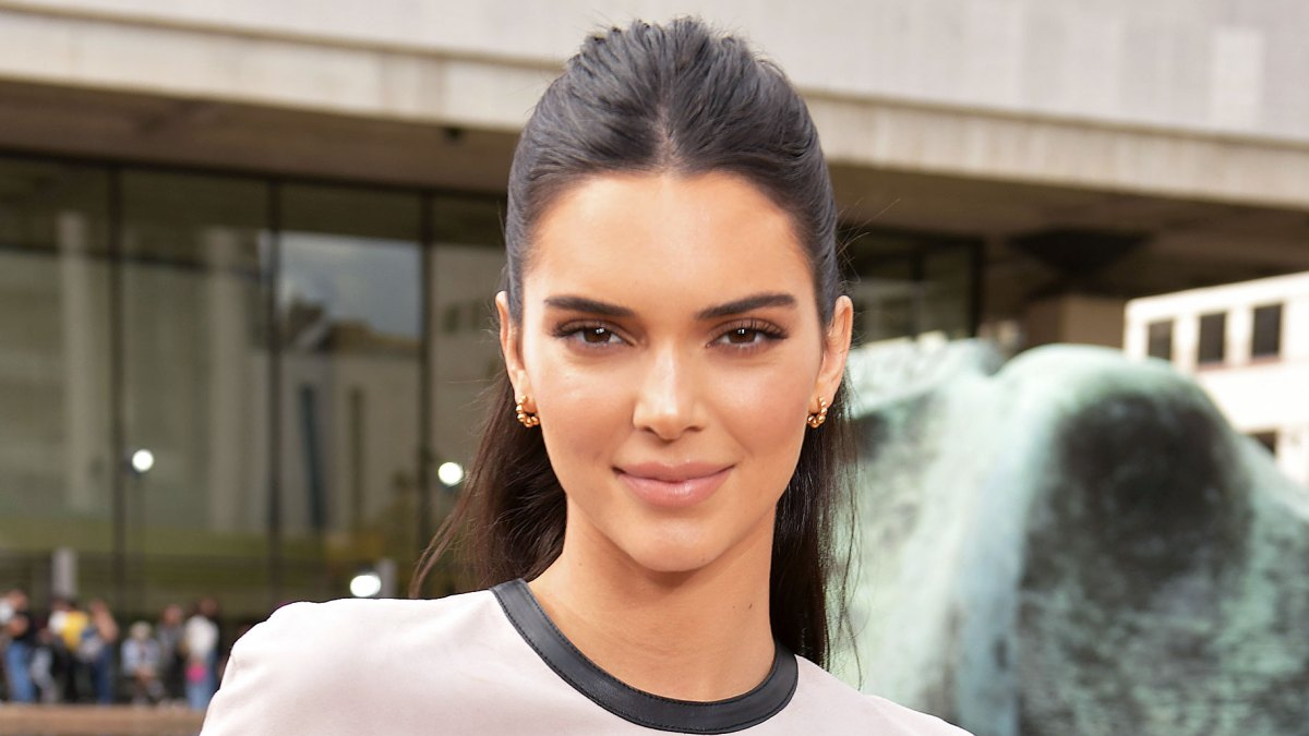 Not a Drill: Kendall Jenner Dyes Her Hair Blonde During London Fashion Week, Looks Like a Total Smokeshow