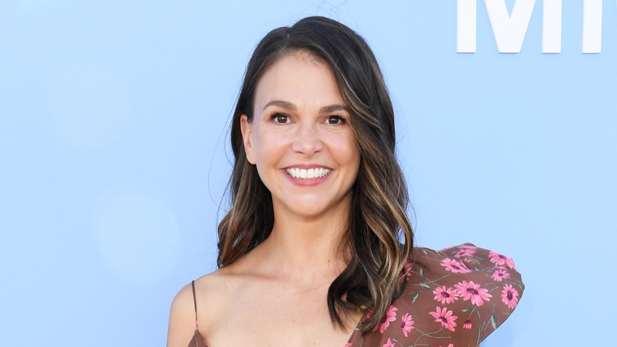 Sutton Foster Brings Her Dogs and Daughter Emily to 'Younger' Set: 'It's Like I Have Three Kids!'