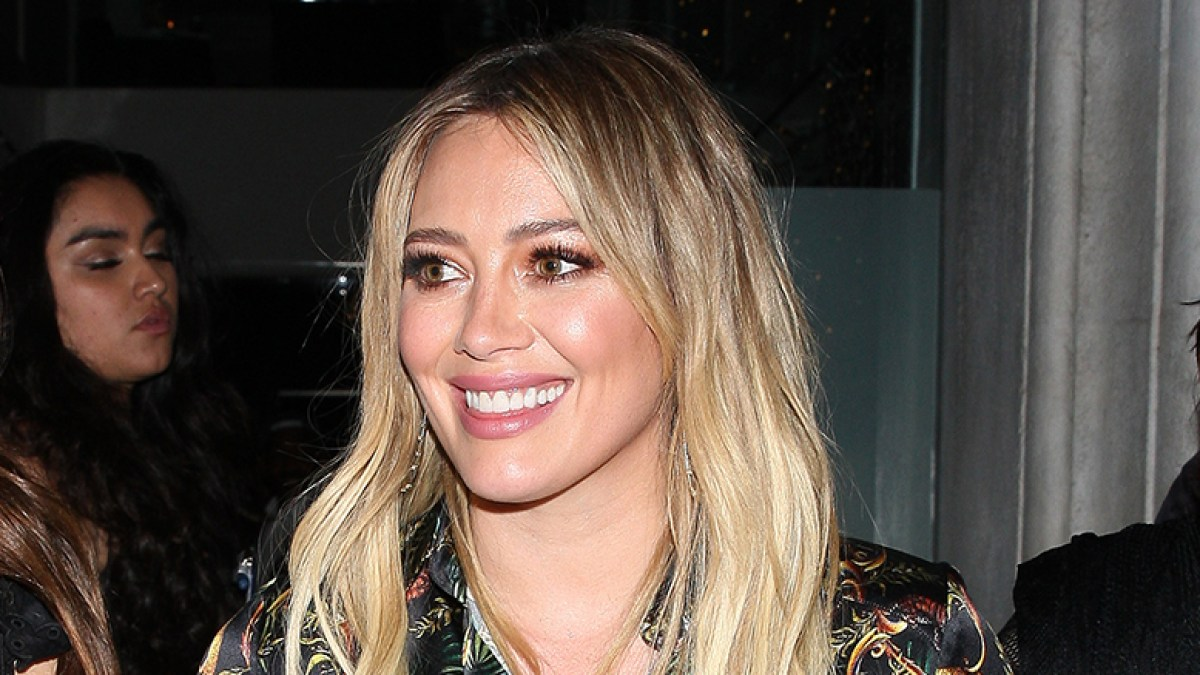 Hilary Duff Says This Under-$30 Illuminator Is the Ultimate 2-in-1 Essential