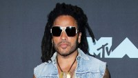 lenny-kravitz-lost-sunglasses