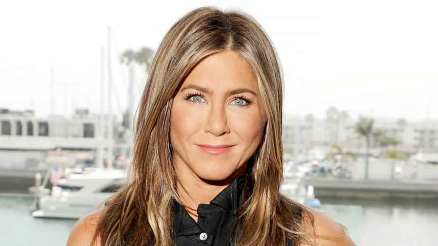 Jennifer Aniston Very Happy Single Wouldnt Rule Out Meeting Someone New