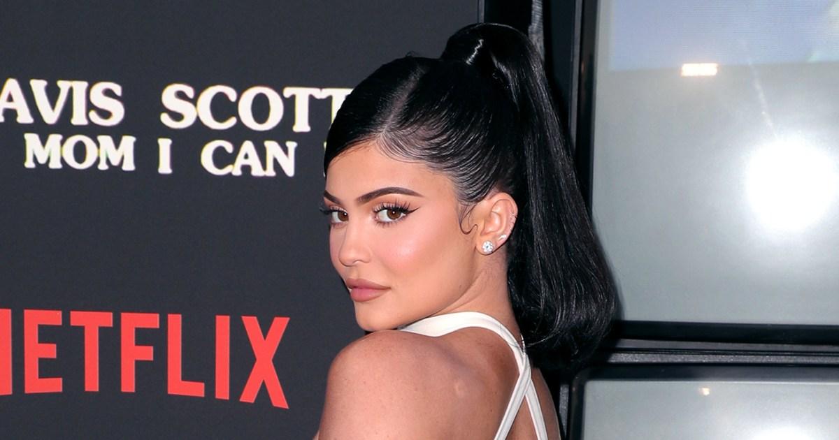 Kylie Jenner Celebrated Making 600 Million Kylie Cosmetics Sale With Home Cooked Meal 01 - كايلي جينر تحتفل بتحقيق 600 مليون دولار مع وجبة منزلية الصنع