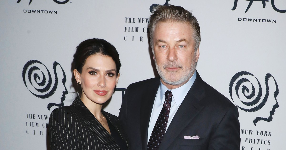 Hilaria Baldwin Defends Letting Her and Alec Baldwin's Kids Go Outside Without Coats After Criticism - هيلاريا بالدوين تدافع عن السماح لأطفالها بالخروج من دون معاطف