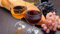 red-and-white-wine-glasses