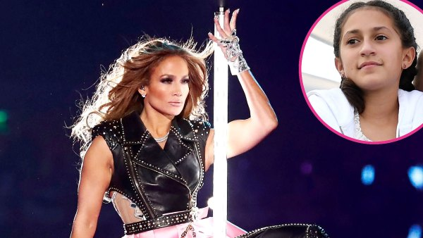 Jennifer Lopez Daughter Emme Share Sweet Moment Before Super Bowl 2020 Halftime Show