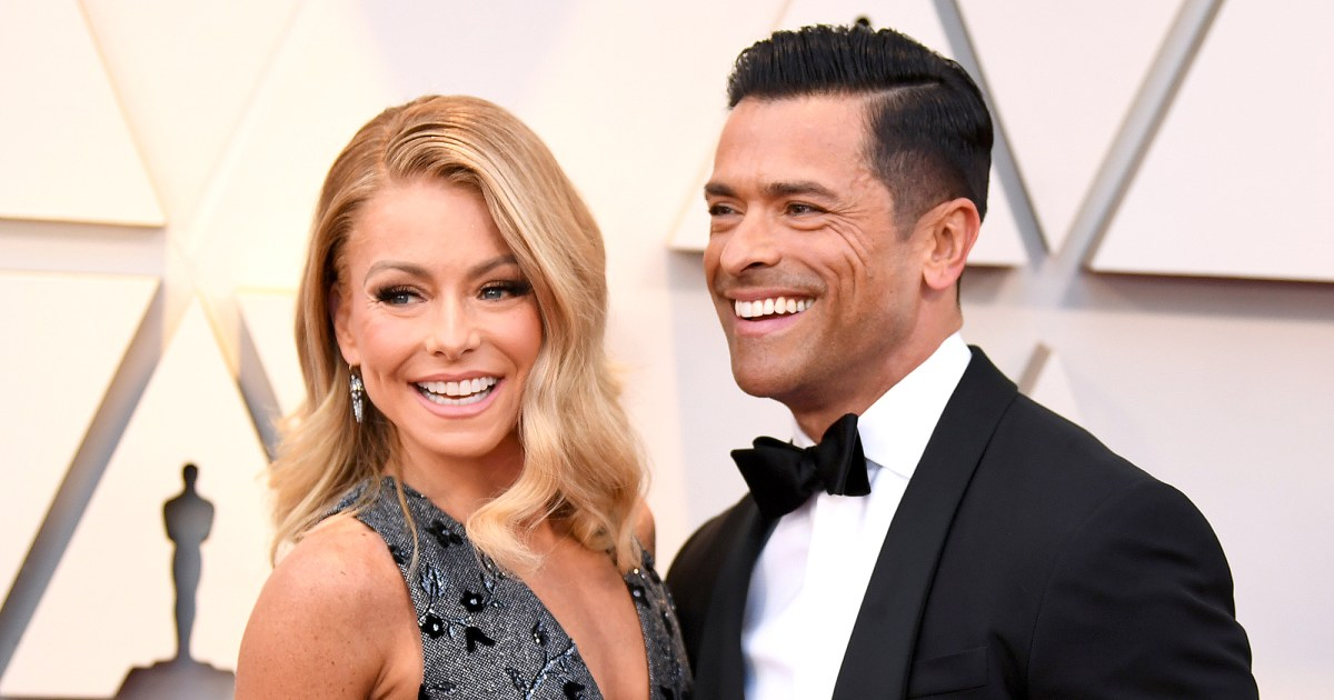 Kelly Ripa Shares 'Thirsty' Shirtless Workout Video of Mark Consuelos