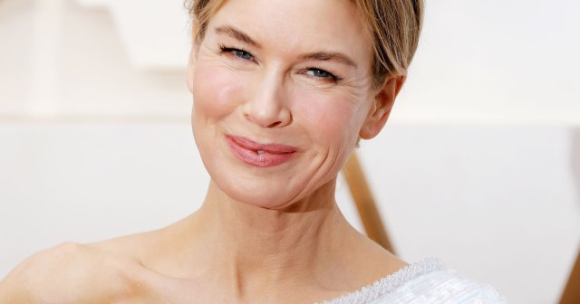 See Renee Zellweger's Red Carpet Beauty Evolution From 'Jerry Maguire' to 'Judy'.jpg