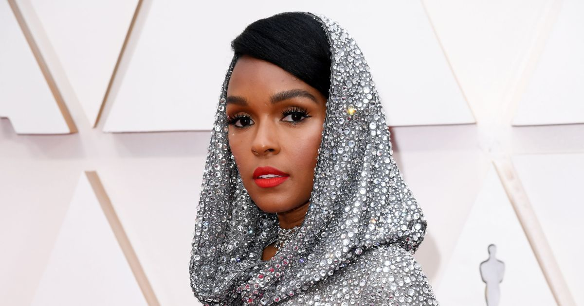 Janelle Monae's Glowing Oscars Skin Was Prepped With This Incredible Tool