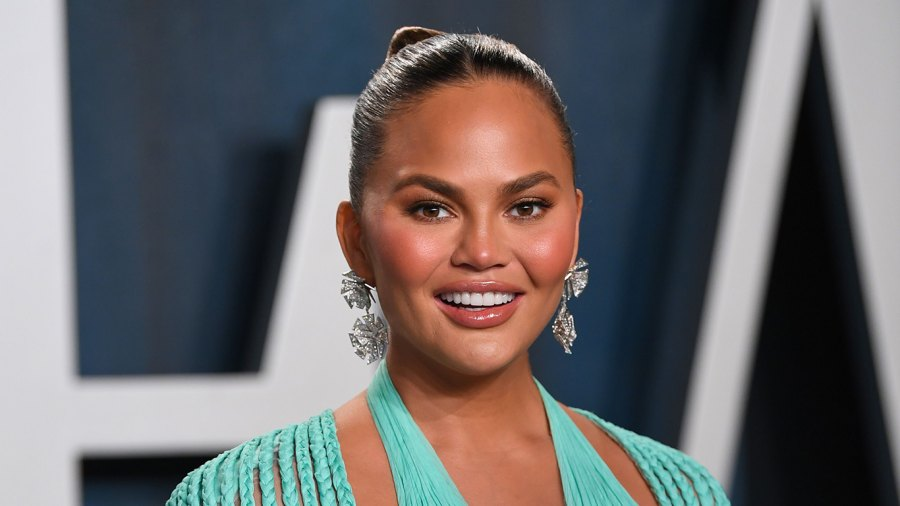 Chrissy Teigen Shares Her Hilarious Girl Scout Cookie Rankings