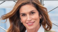 Cindy Crawford: My Sisters Called My Beauty Mark 'Ugly'