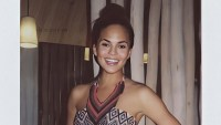 See Chrissy Teigen's BTS Polaroids From 2013 'SI Swimsuit' Fittings: Pics
