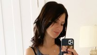 Hilaria Baldwin Baby Bump Mirror Selfie with Carmen