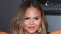 Chrissy Teigen Donates $200,000 to Pay for George Floyd Protesters' Bail