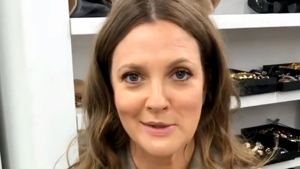 Drew Barrymore Genius Trick for Preventing Mascara From Drying Out