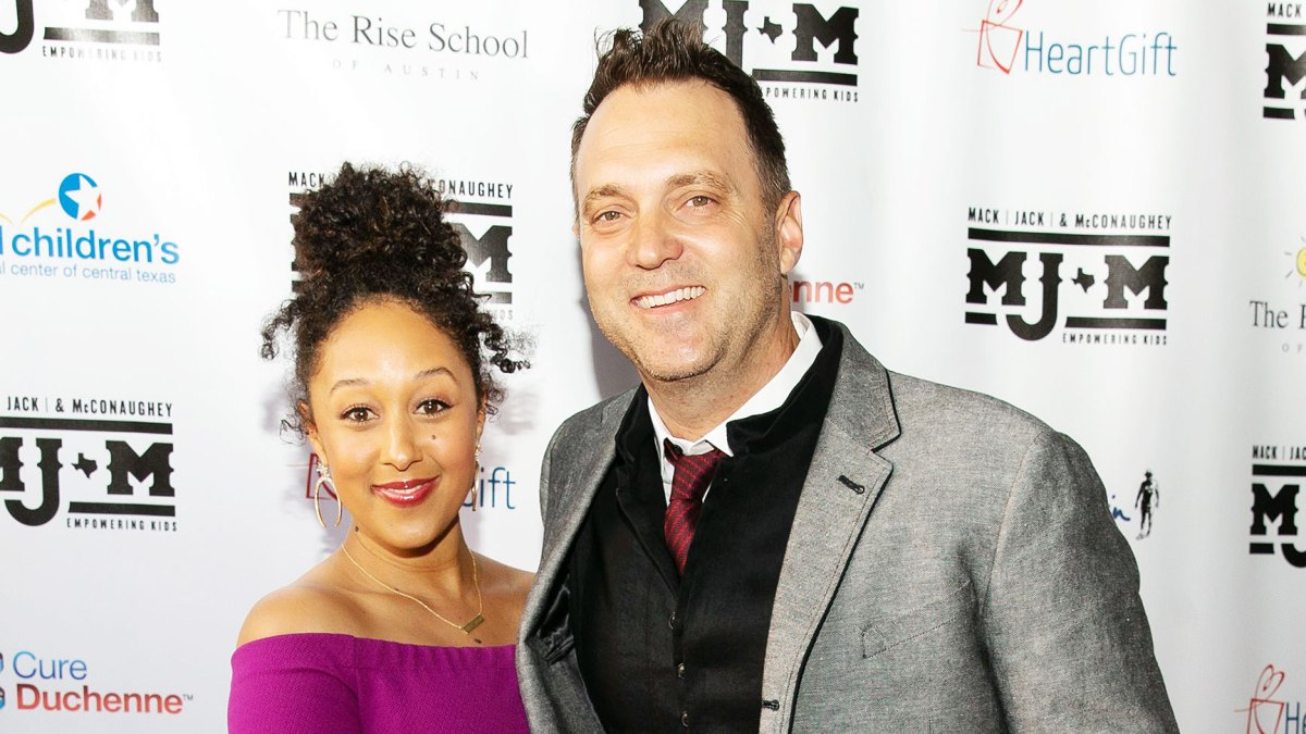 tamera mowry dating adam housley