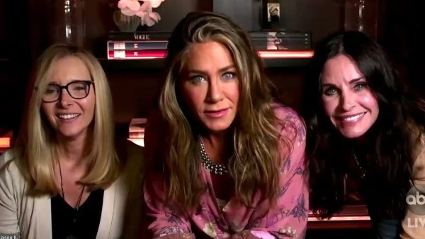 Jen Aniston Courteney Cox Lisa Kudrow Reunite at the Emmys 2020