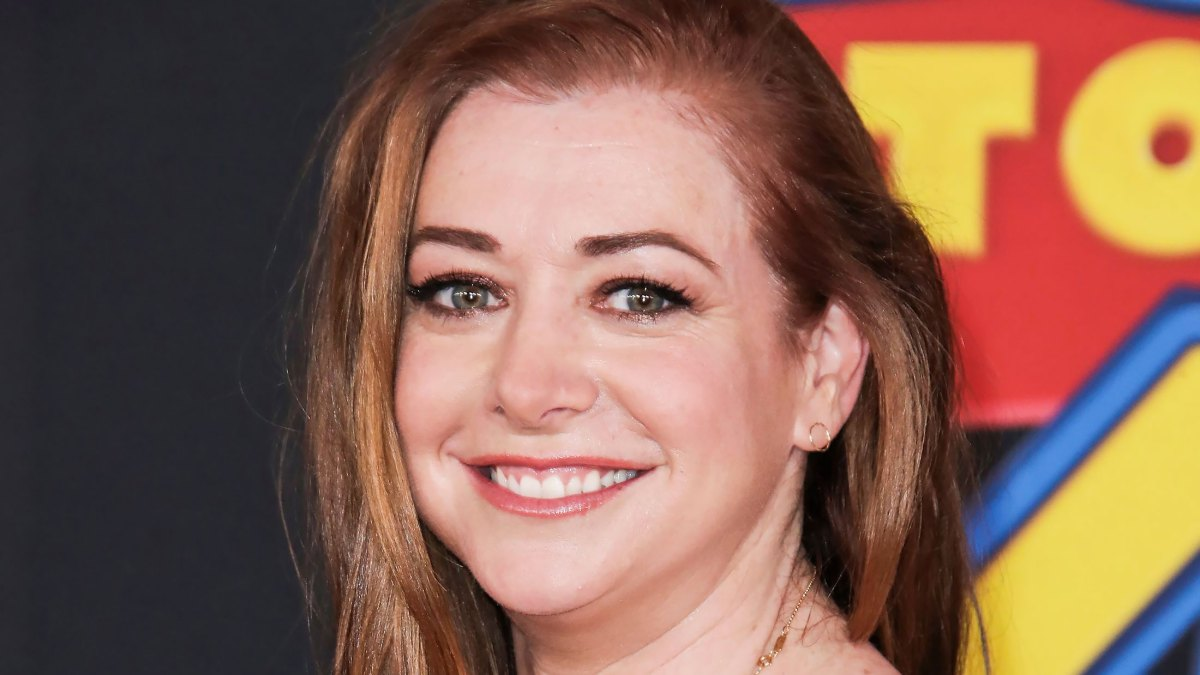 Alyson Hannigan Porn Pie - Alyson Hannigan's Kids at 'How I Met Your Mother' Bar: Throwback Pic