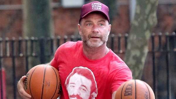 Liev Schreiber basketball