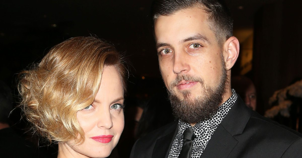 Mena Suvari Gives Birth, Welcomes 1st Child With Husband Michael Hope