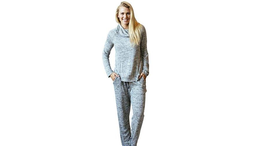 Hello Mello Carefree Threads Women's Loungewear Top