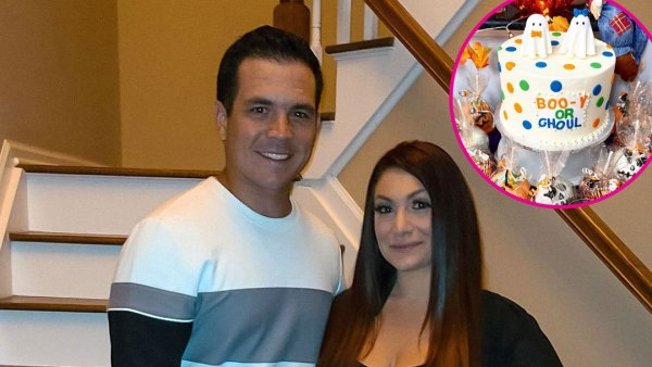 Jersey Shore Pregnant Deena Cortese Reveals Sex of 2nd Child With Christopher Buckner Halloween Cake