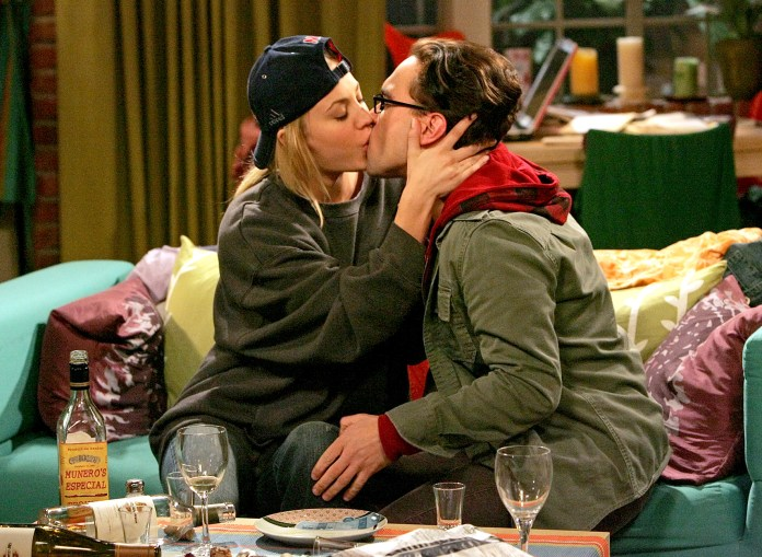 Kaley Cuoco Recalls Filming Sex Scenes With Ex Johnny Galecki 2
