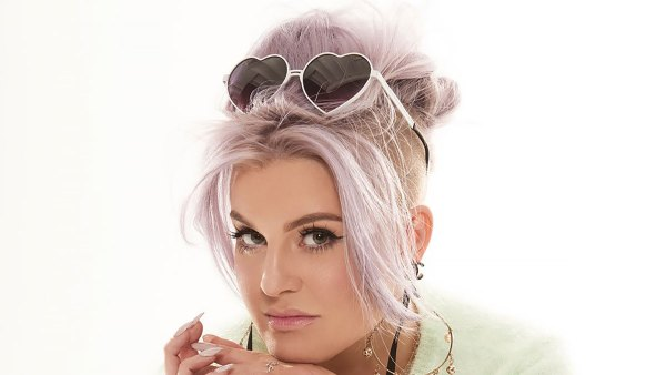 Kelly Osbourne Spills Her Favorite Beauty and Fashion Looks