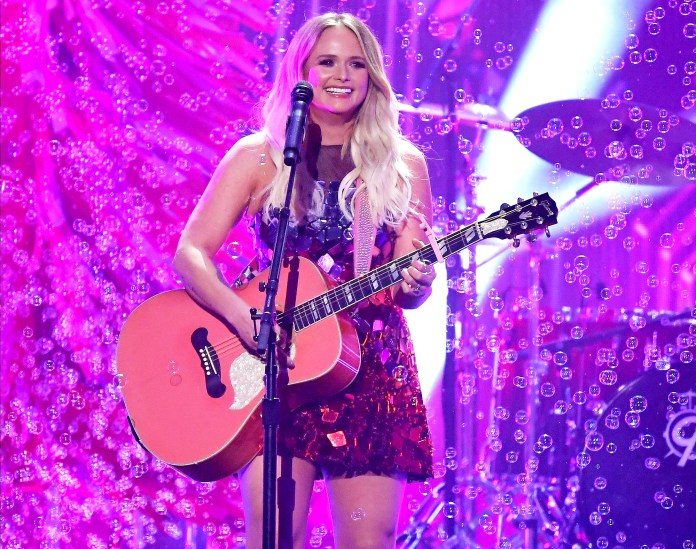 Miranda Lambert Performs Settling Down Live for the 1st Time at the CMA Awards 2020