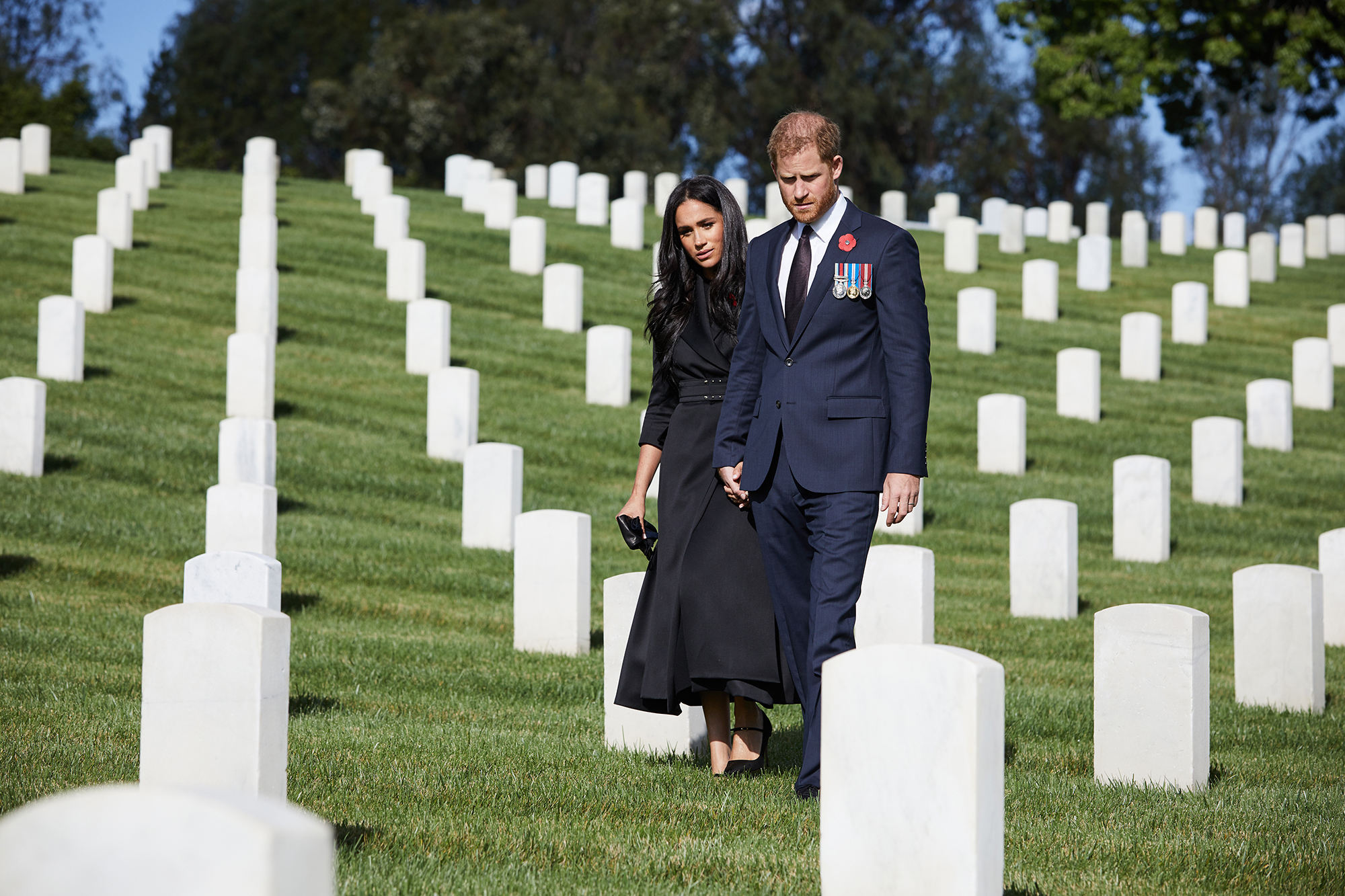 Prince Harry and Meghan Markle Visit L.A. Cemetery for Remembrance Day: Pics