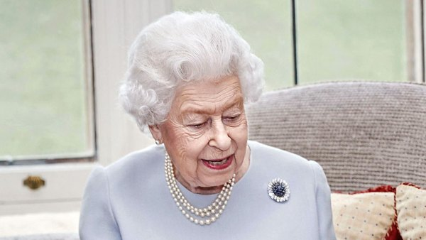 Queen Elizabeth Celebrates Her Wedding Anniversary Wearing Standout Jewels