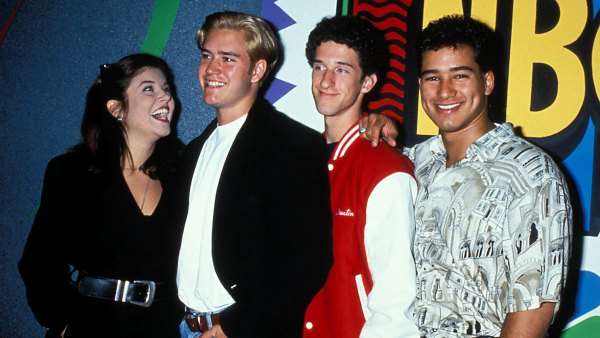 Watch the New 'Saved By the Bell' Cast Critique the Original Cast's Style