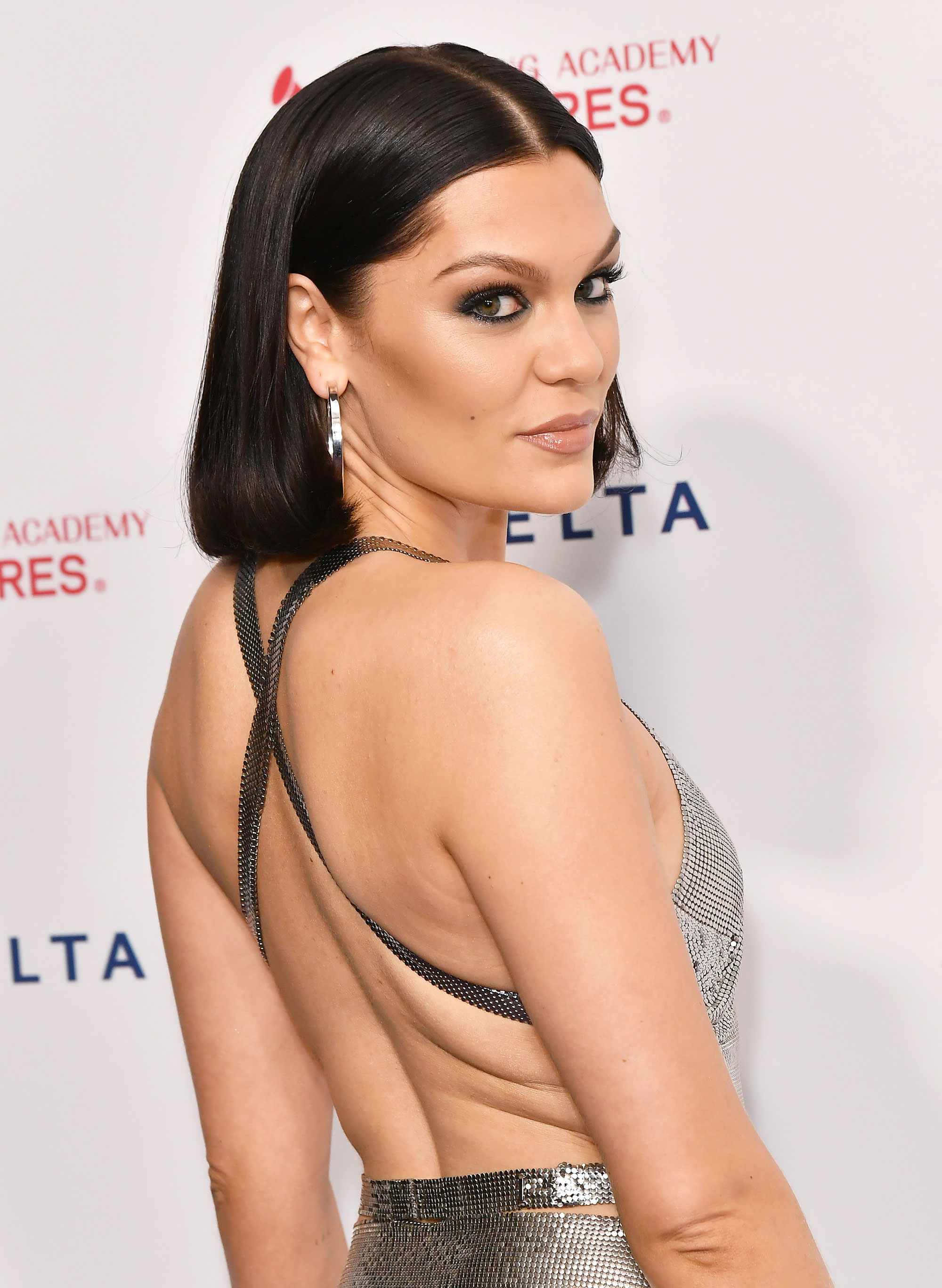 Jessie J Cut Her Own Hair Into the Chicest Blunt Bob