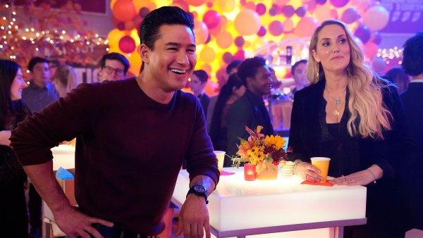 Saved by the Bell Renewed for Second Season Mario Lopez Elizabeth Berkley