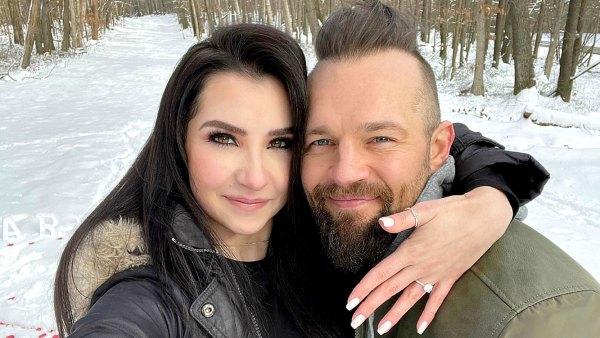 The Challenge Derrick Kosinski Is Engaged Girlfriend Nicole Gruman