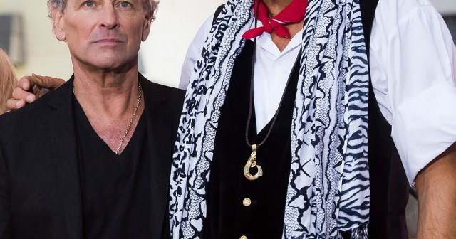Fleetwood Mac's Mick Fleetwood Reveals He 'Reconnected' With Lindsey Buckingham 3 Years After Feud.jpg