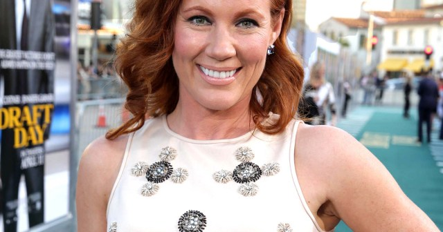 Elisa Donovan Reveals She Nearly Had a Heart Attack While Filming 'Clueless' Due to Anorexia Battle.jpg