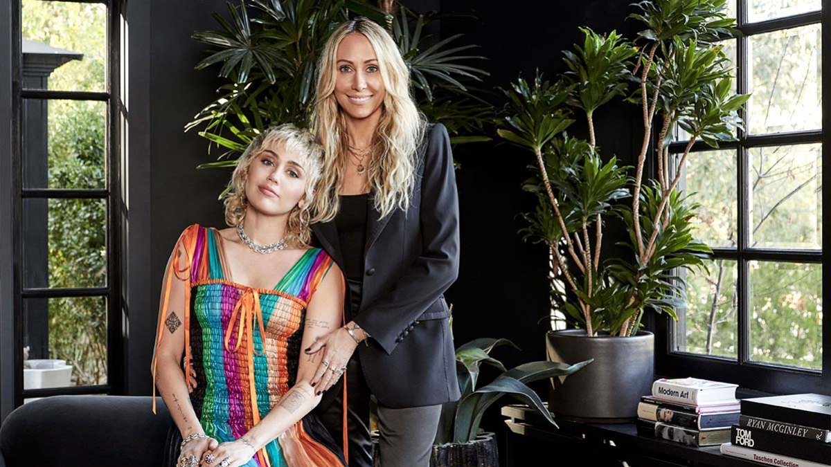 Inside Miley Cyrus' Rock and Roll-Themed L.A. Home: Photos