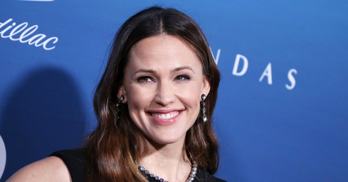 All the Times Jennifer Garner, 49, Kept It Real on Instagram With Makeup-Free, Messy Hair Selfies