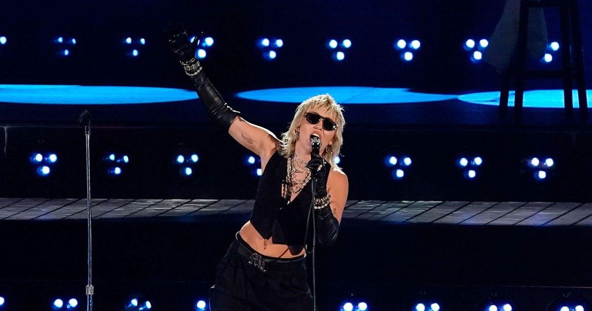 Miley-Cyrus-NCAA-Final-Four.jpg?crop=299px,0px,1422px,746px&resize=1200,630&ssl=1&quality=86&strip=all