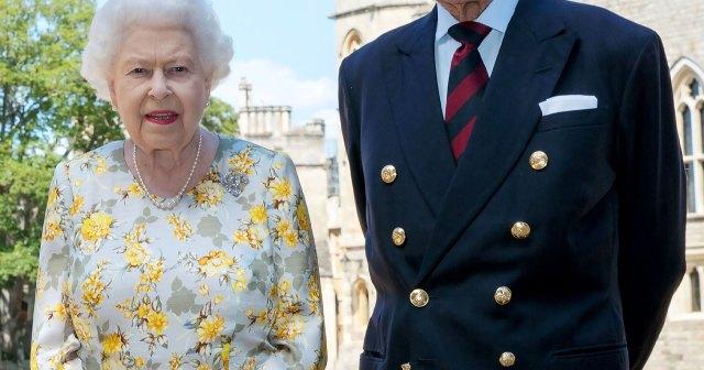 Queen Elizabeth II and Prince Philip Pose With Great-Grandchildren in Never-Before-Seen Photos.jpg