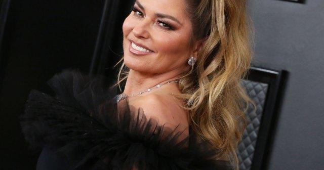 Shania Twain Rewears Her Original 'Man! I Feel Like a Woman!' Outfit — 20 Years Later!.jpg