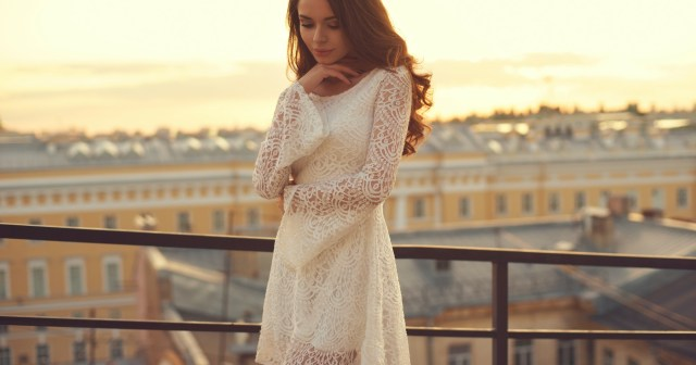17 Photogenic Engagement Dresses That Will Make You Feel Like a Star.jpg