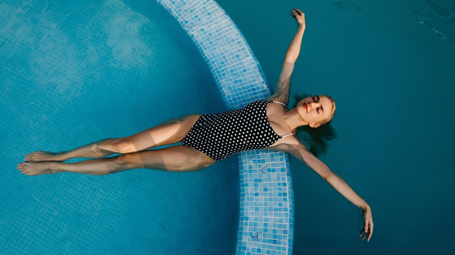 flattering-slimming-swimsuits