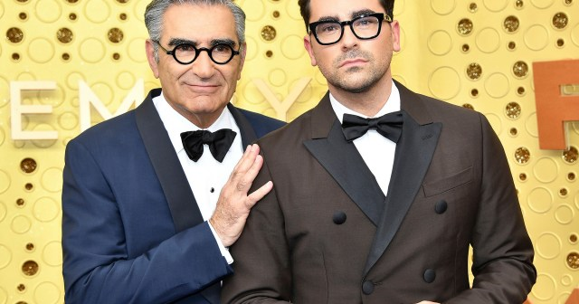 Dan Levy Reacts to 'Schitt's Creek' Fan's False Claim That His Dad Eugene Levy Died.jpg